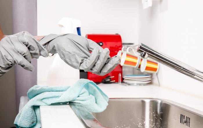 Cómo desinfectar nuestros guantes